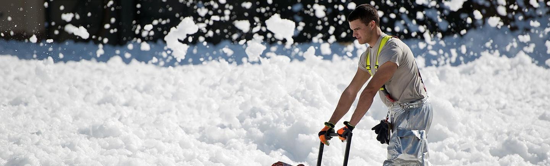Winterdienst Berlin - Schnee entfernen und Streuen für privat und Gewerbe